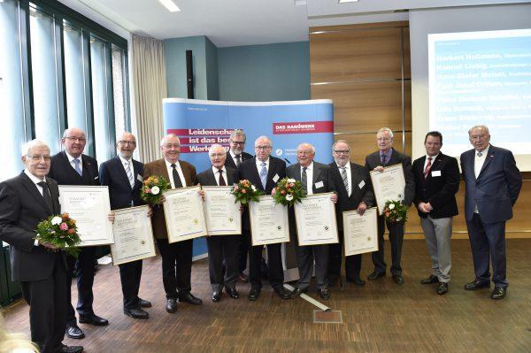 Auszeichnung für halbes Jahrhundert Engagement im Handwerk