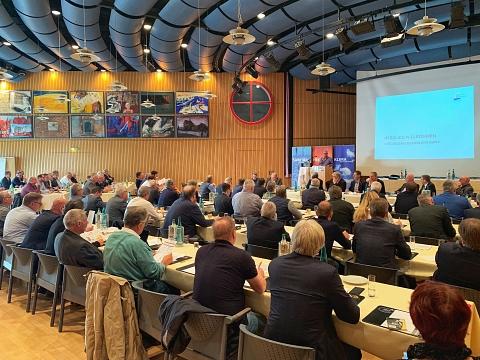 Die Mitgliederversammlung in Lünen erteilt der Industrie zum Thema Wartung eine klare Absage. Bild: FVSHK NRW