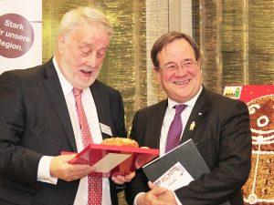 Landesinnungsmeister Heribert Kamm und Ministerpräsident Armin Laschet.