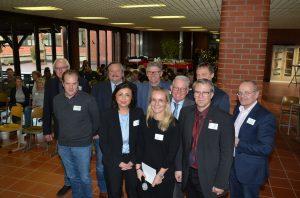 Die Teilnehmer der Podiumsdiskussion und Geschäftsführer der Kreishandwerkerschaft (Foto: Michael Schneider/ Jobcenter Do)