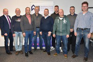 Vorstand und Geschäftsführung der Innung mit (v. l.) Geschäftsführer Ludgerus Niklas, Joachim Freund (Beisitzer), Hans-Jürgen Roth (Lehrlingswart), Uwe Mittag (Beisitzer), Dirk Sindermann (Obermeister), Markus Janz (Beisitzer), Denis Struwe (Prüfungsausschuss-Vorsitzender), Jürgen Rohpeter (stv. Obermeister), Matthias Schomberg (kooptierter Beisitzer).